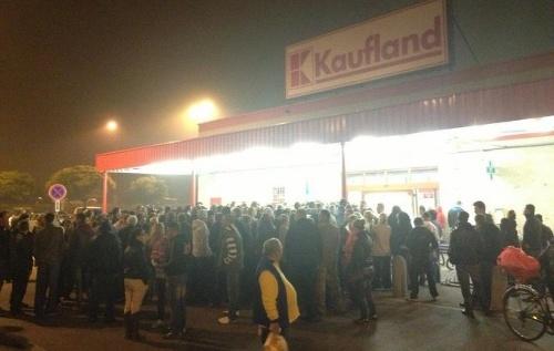 A Kaufland makacskodik: magyarul semmit!