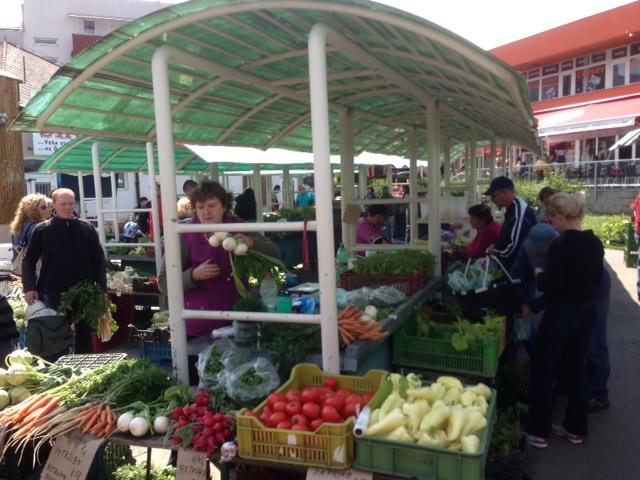 Vásároljunk a somorjai piacon