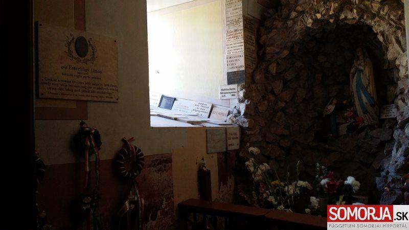 Elhelyezték és felszentelték Esterházy János emléktábláját