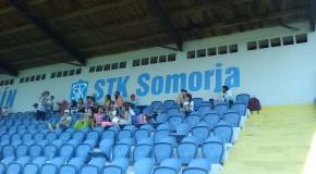 Végre felkerült a magyar felirat is az STK Somorja stadionjába, a tribün fölé