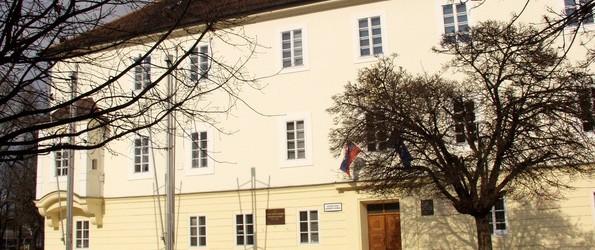 A Via Nova Somorjai Alapszervezete petícióban kéri a városházán lévő szovjet emléktábla eltüntetését