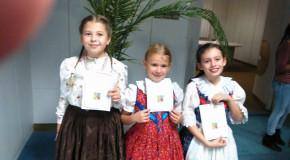 Végh Lili aranysávos, Tám Dóra és Kovács Barbara pedig ezüstsávos lett a Bíborpiros szép rózsa országos döntőjében