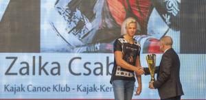 13 Bárdos Gábor somorja polgármestere gratulál Zalka Csabának