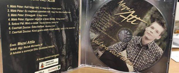 Mezei Attila lemezbemutatója a könyvtárban