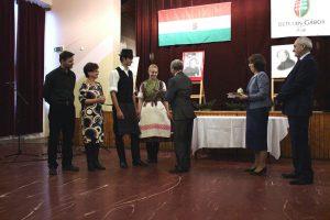 14 A Csali nevében Madocsai Imre, Valacsay Franciska, Lukács Bence Márk és Végh Bianca vette át a díjat