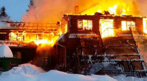 Gyűjtés egy leégett erdélyi könyvtár számára