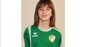 A 14 éves lány, aki már három focicsapatban is játszott