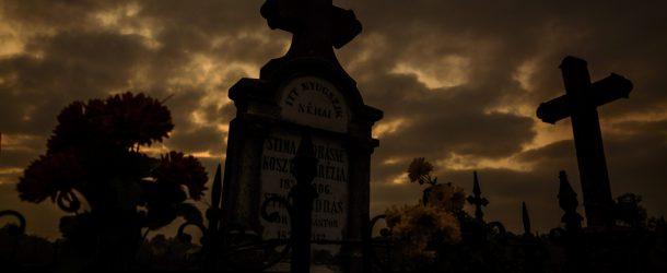 Mi a különbség a halloween, a halottak napja, és a mindenszentek között?