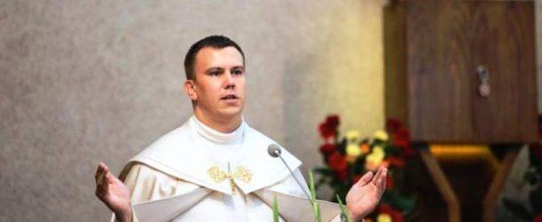 Molnár Tamás atya: maga a Szeretet öltött testet az első karácsony éjjelén