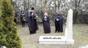 Laube Antal tüzérhadnagy sírjánál is emlékeztünk március 15-én